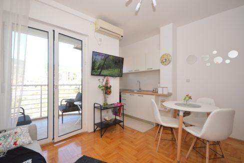 rn2367-small-apartment-igalo-herceg-novi-top-estate-montenegro