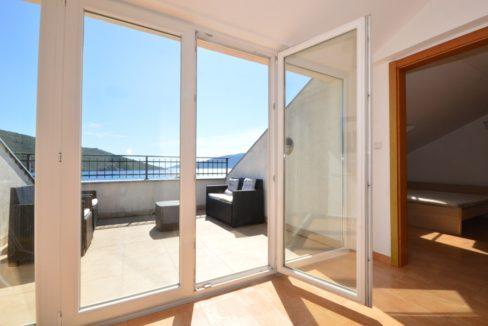 rn2372-newly-built-duplex-balcony-1