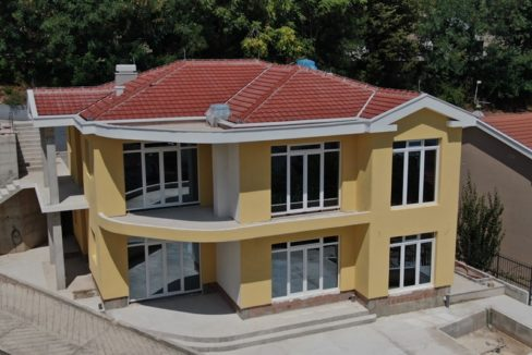 rn2374-new-house-under-construction-front-6