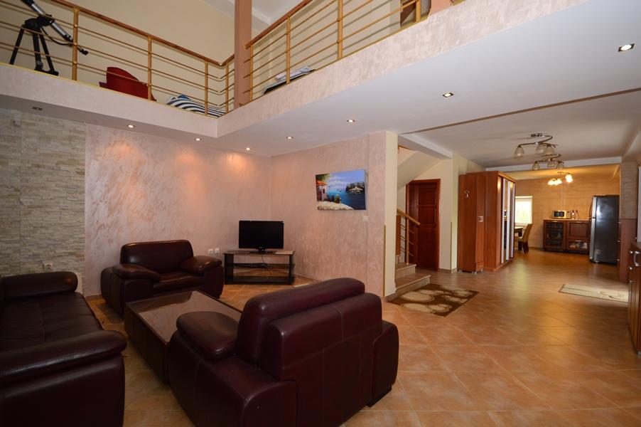 rn2377-beautiful-natural-stone-villa-living-room-4