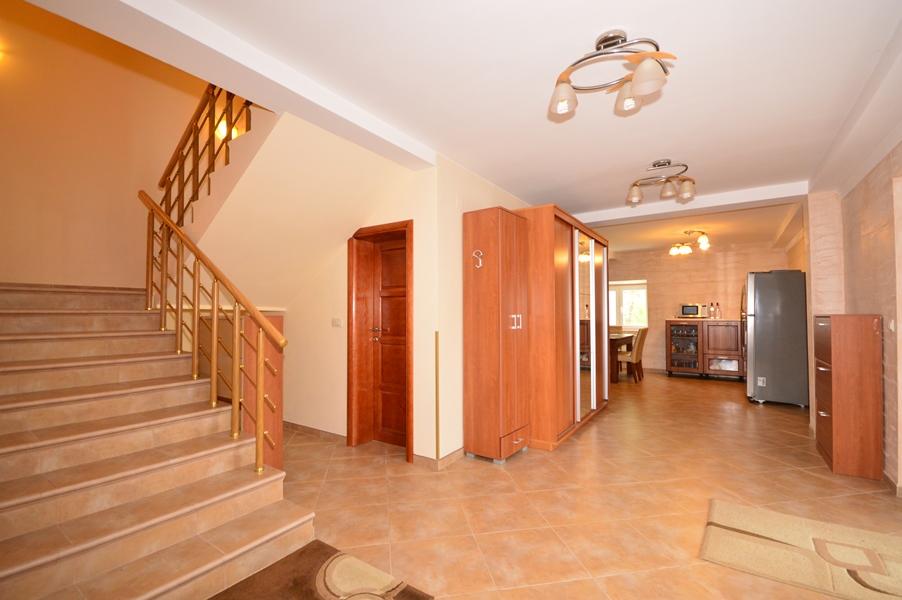 rn2377-beautiful-natural-stone-villa-stairway-1