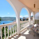 rn2378-comfortable-centrally-situated-apartment-balcony