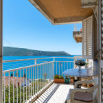rn2379-modern-completely-renovated-apartment-balcony