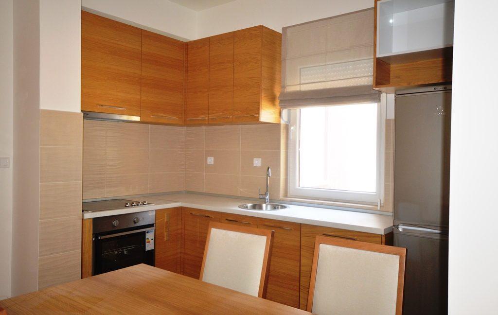 rn2380-quiet-apartment-kitchen