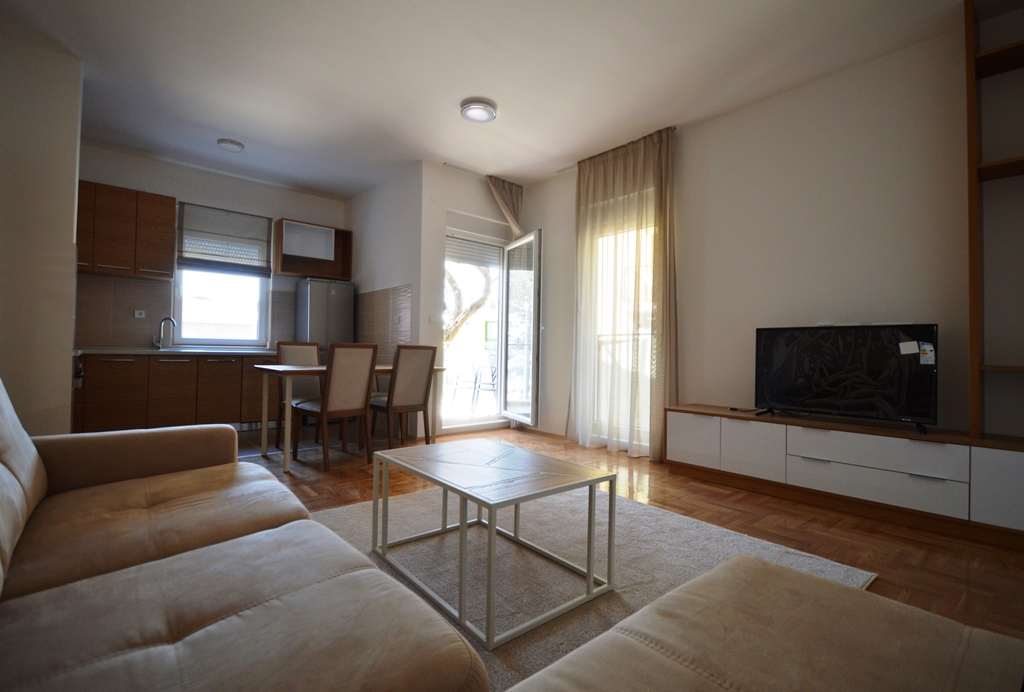 Quiet apartment in Tivat, district Kava
