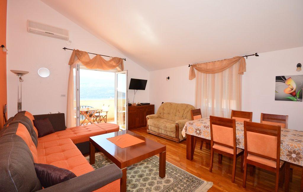 rn2381-beautiful-apartment-living-room-3