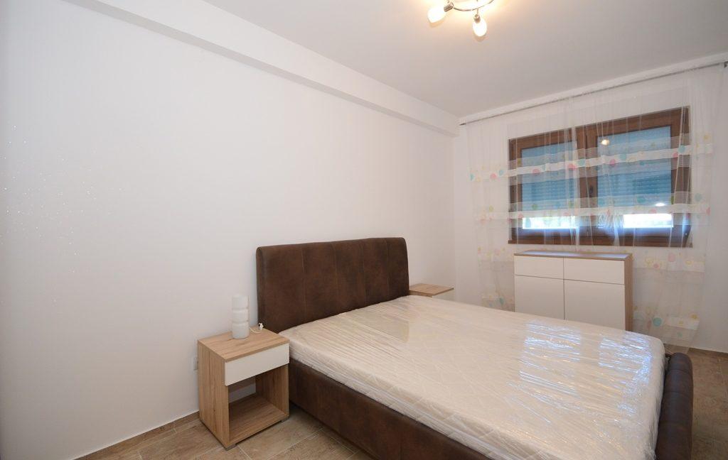 rn2382-practical-apartment-bedroom-1
