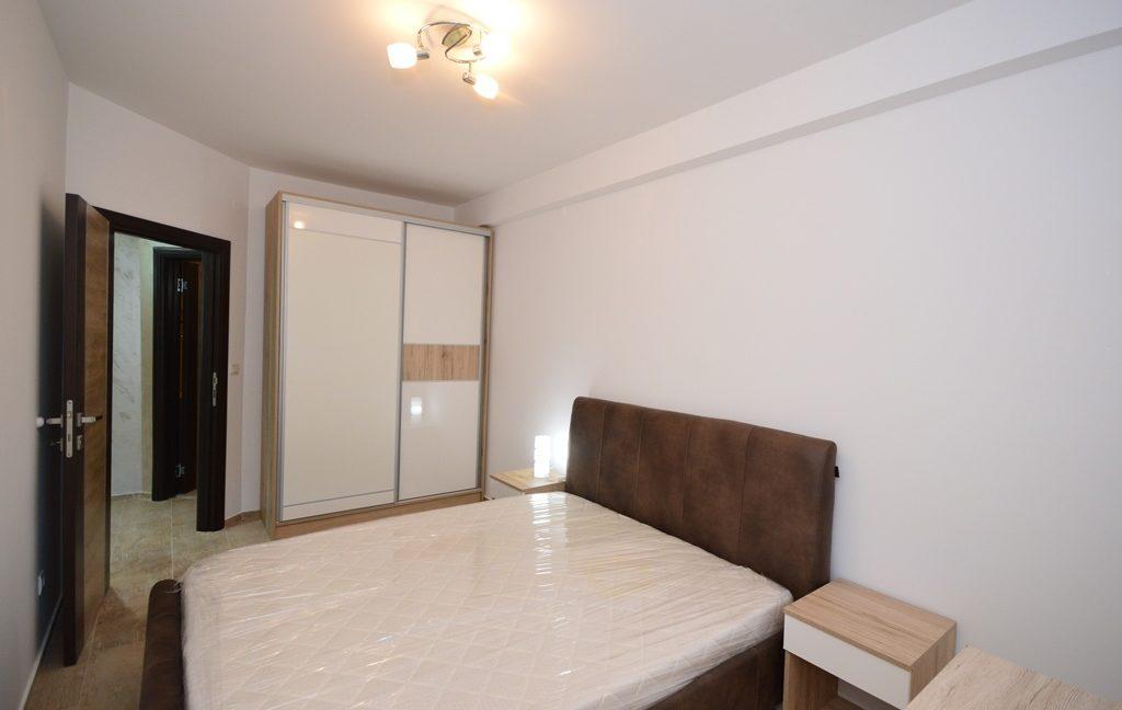 rn2382-practical-apartment-bedroom-2