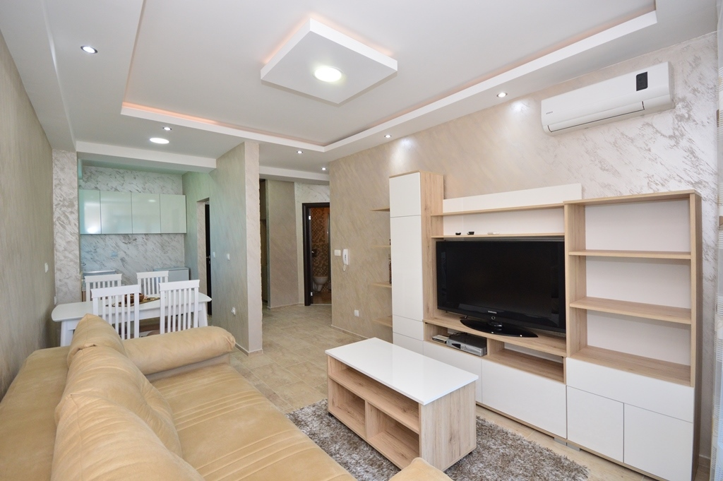 Practical apartment in the heart of Igalo