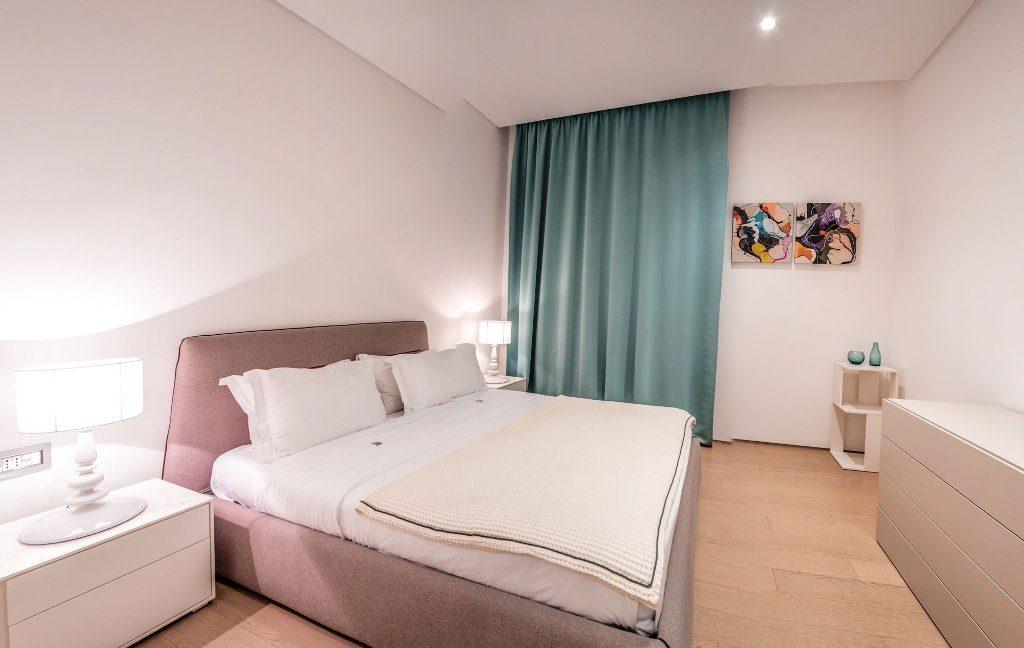 rn2384-luxury-apartment-bedroom