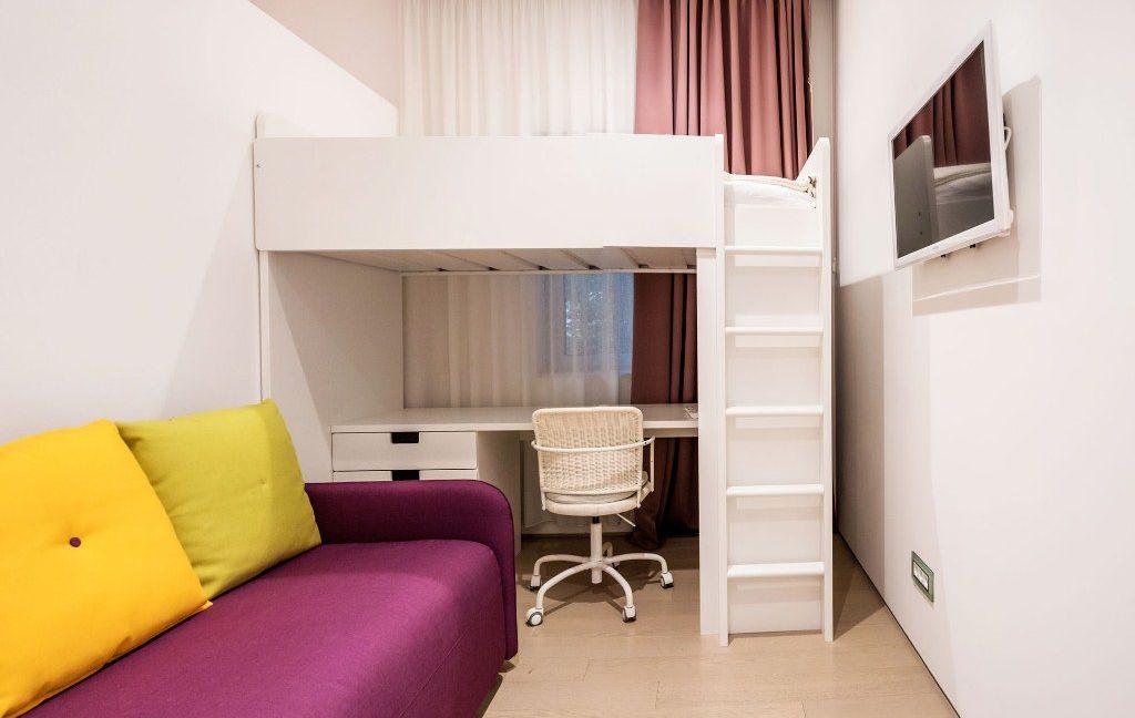 rn2384-luxury-apartment-bedroom-3