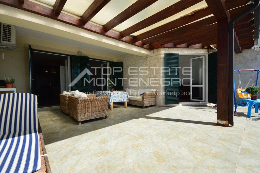 rn2390-holiday-apartment-with-breathtaking-views-herceg-novi-1