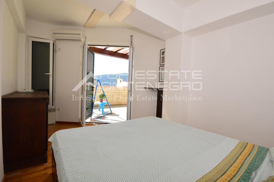 rn2390-holiday-apartment-with-breathtaking-views-herceg-novi-10