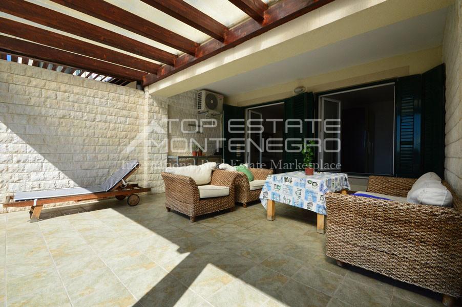 rn2390-holiday-apartment-with-breathtaking-views-herceg-novi-12