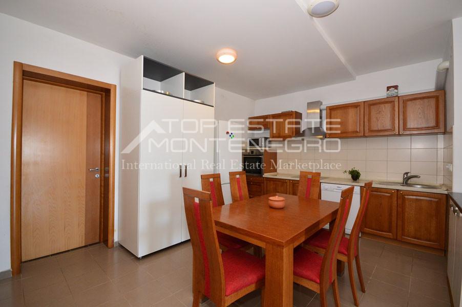 rn2390-holiday-apartment-with-breathtaking-views-herceg-novi-6
