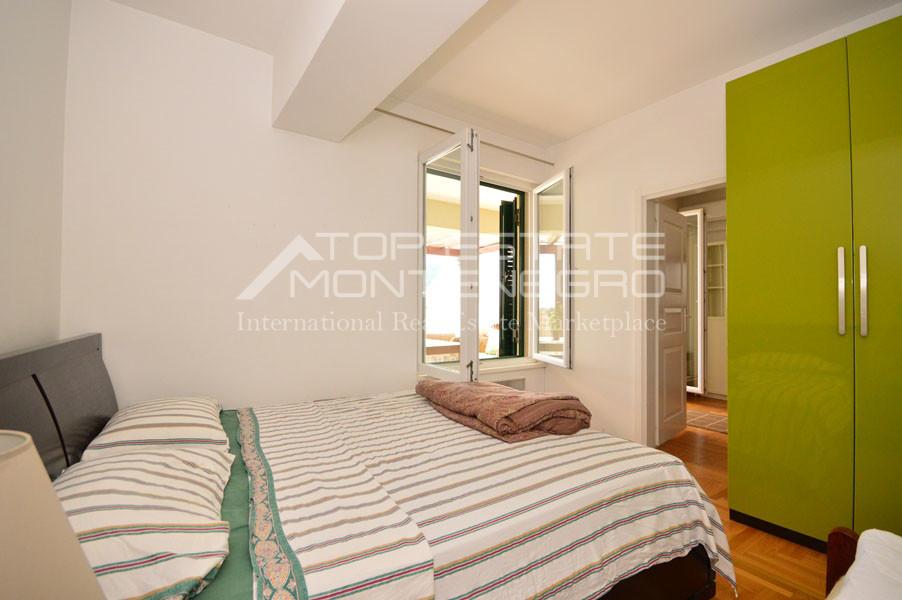 rn2390-holiday-apartment-with-breathtaking-views-herceg-novi-9