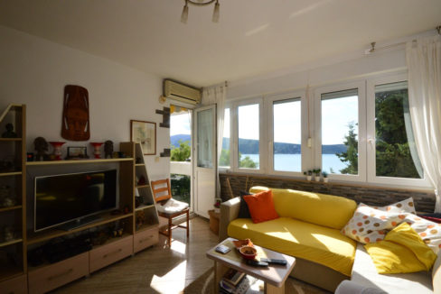 rn2391-well-maintained-sea-view-apartment-herceg-novi-1