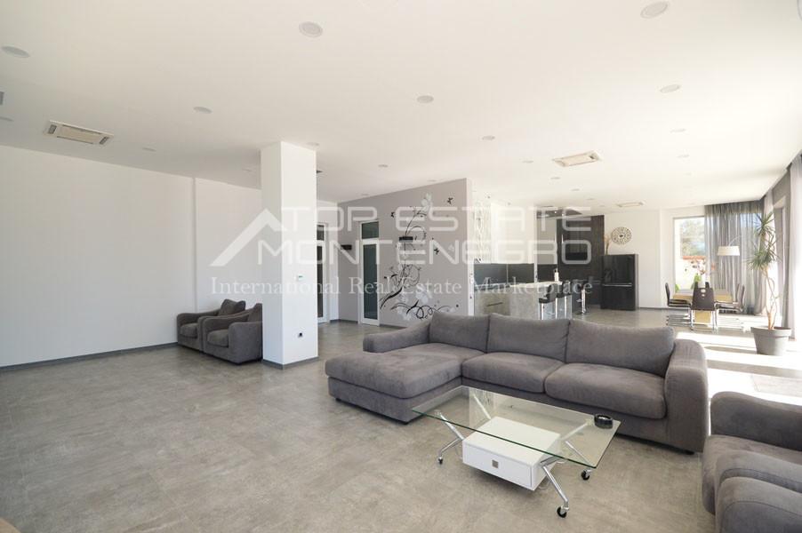 rn2398-extraordinary-new-build-villa-djenovici-16