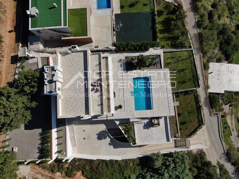 rn2398-extraordinary-new-build-villa-djenovici-4