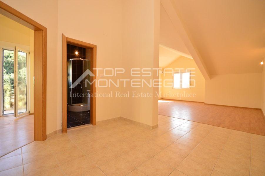 rn2399-apartment-in-a-complex-djenovici-1