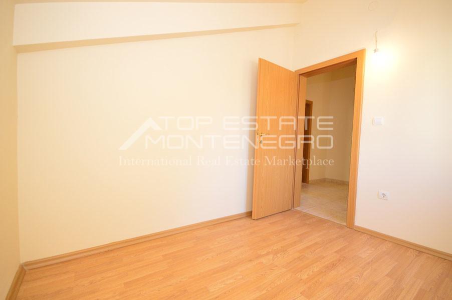 rn2399-apartment-in-a-complex-djenovici-5