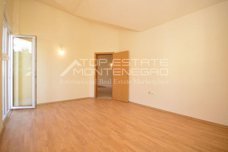 rn2399-apartment-in-a-complex-djenovici-9