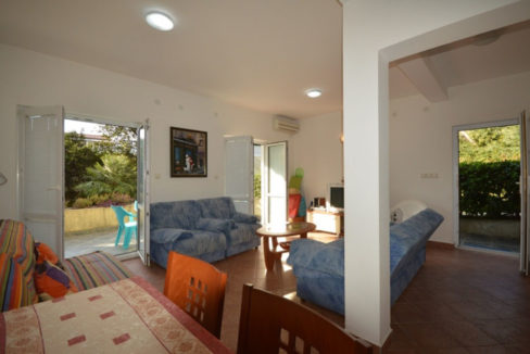 rn2401-lovely-ground-floor-apartment-baosici-1