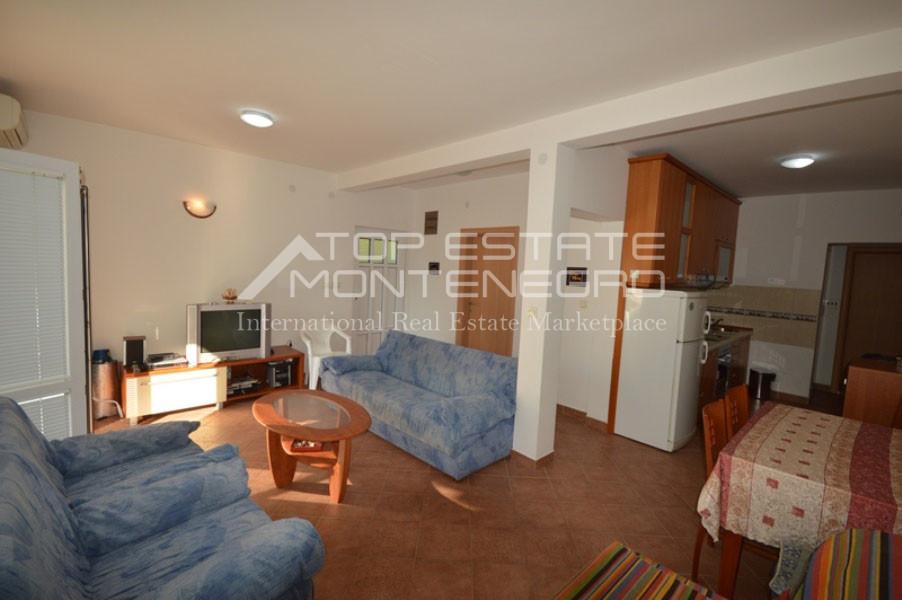 rn2401-lovely-ground-floor-apartment-baosici-2
