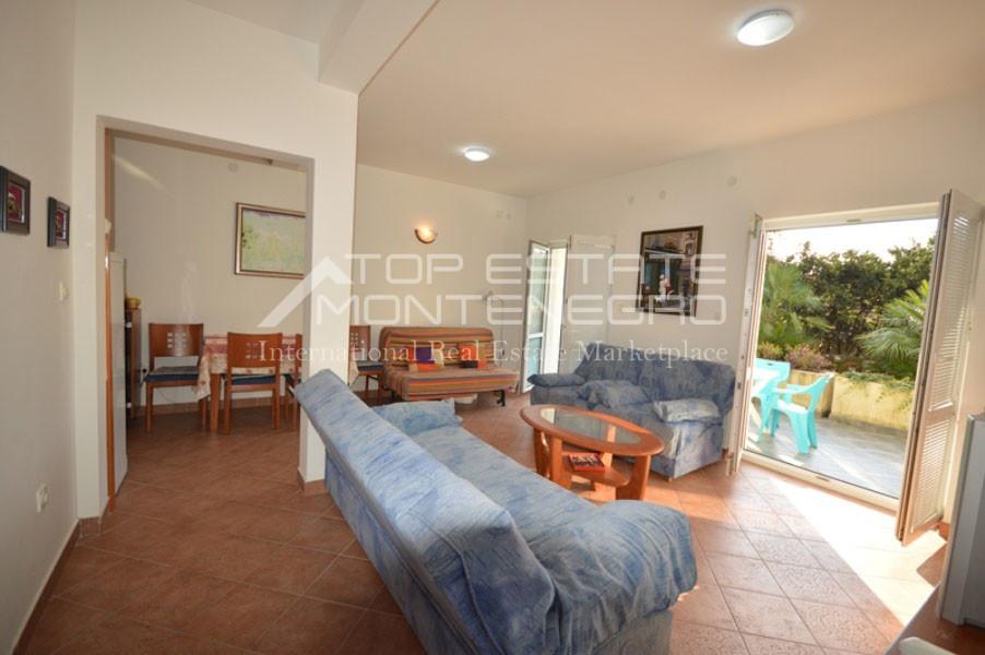 rn2401-lovely-ground-floor-apartment-baosici-3