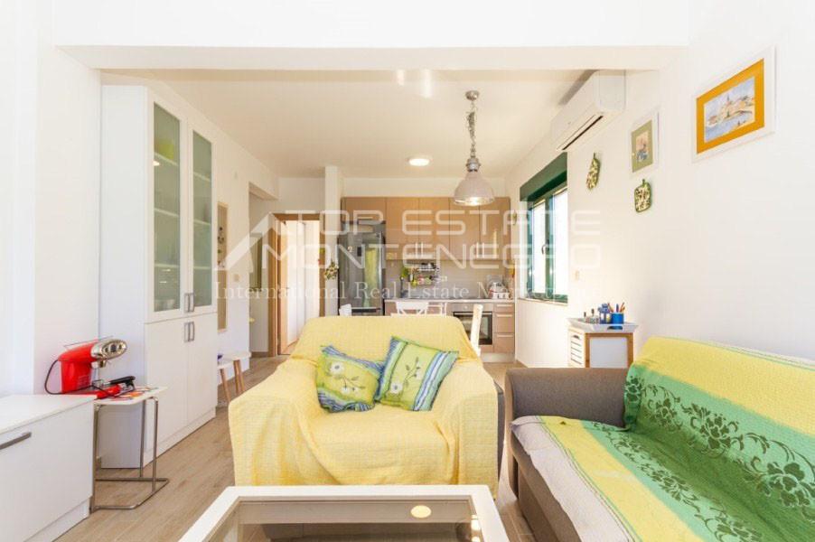 rn2402-centrally-situated-apartment-herceg-novi-3