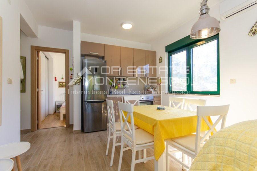 rn2402-centrally-situated-apartment-herceg-novi-4