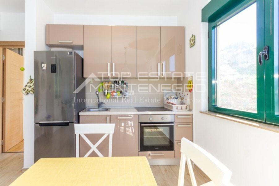 rn2402-centrally-situated-apartment-herceg-novi-5
