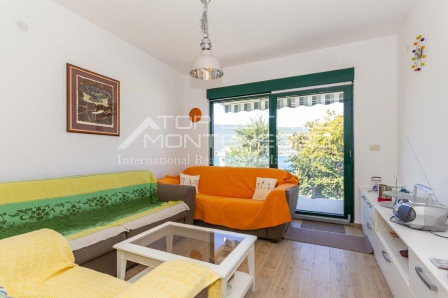 rn2402-centrally-situated-apartment-herceg-novi-6