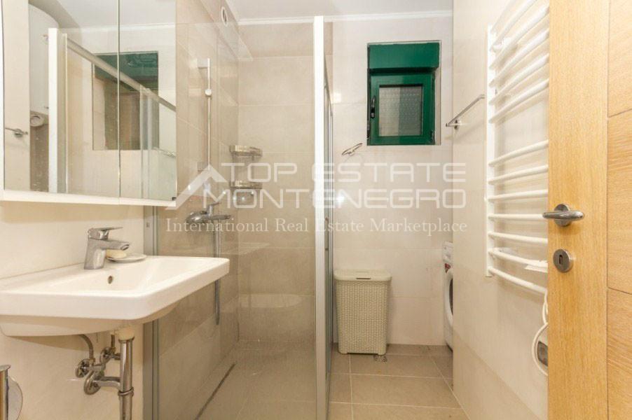 rn2402-centrally-situated-apartment-herceg-novi-8