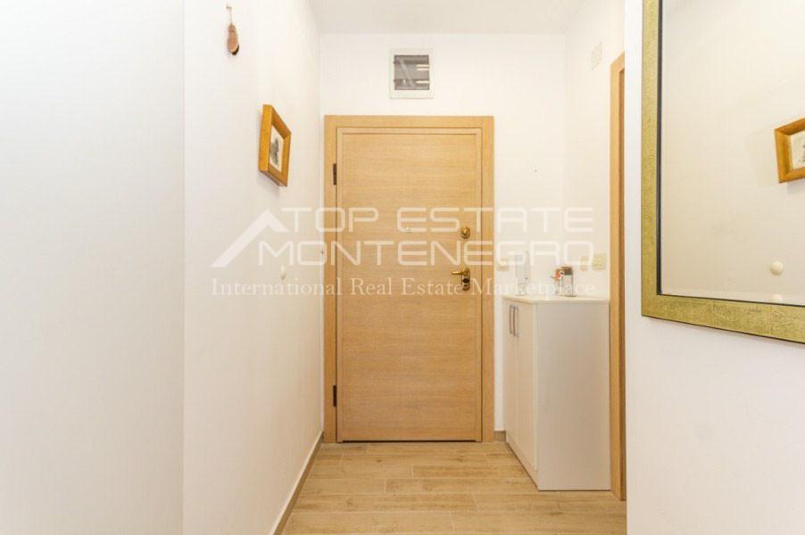 rn2402-centrally-situated-apartment-herceg-novi-9