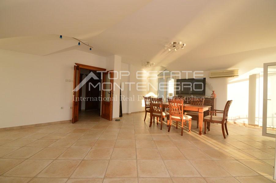 rn2403-practical-apartment-herceg-novi-13