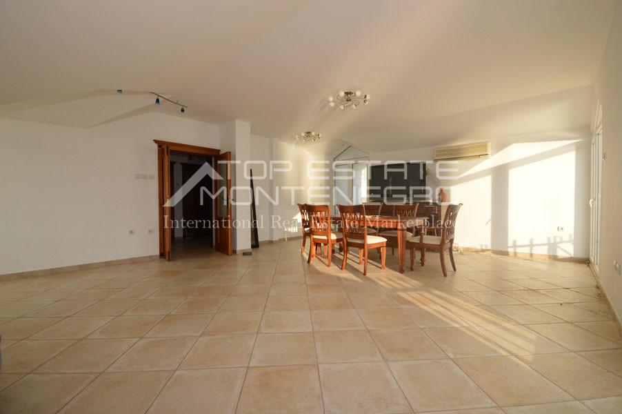 rn2403-practical-apartment-herceg-novi-2