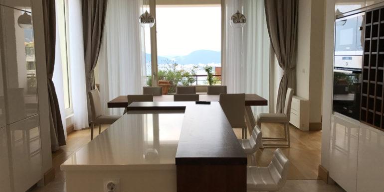 Oчень привлекательная вилла с бассейном Близикуче, Будва-Топ недвижимости Черногории