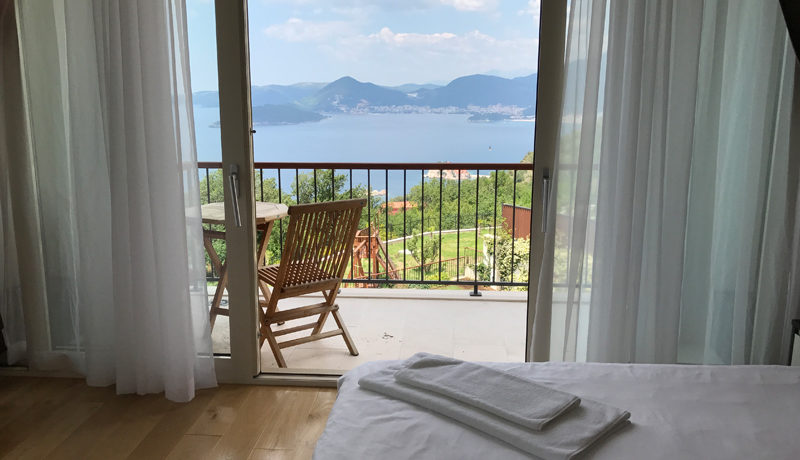 Sehr attraktive villa mit pool Blizikuce, Budva-Top Immobilien Montenegro