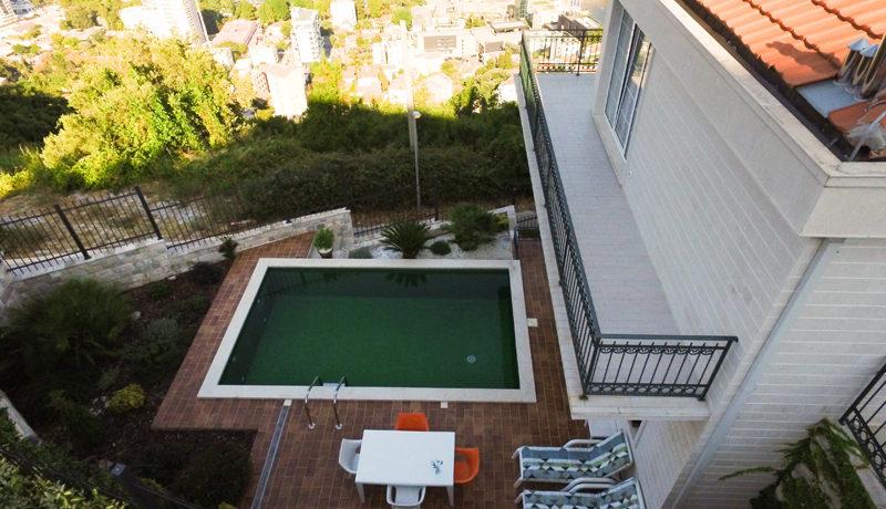 Atraktivna kuća sa bazenom Budva-Top Nekretnine Crna Gora