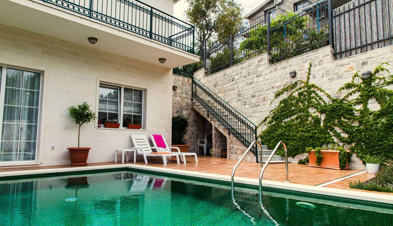 Attractive house with swimming pool Budva-Top Estate Montenegro