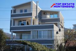 Apartment house with pool Dobra Voda, Bar-Top Estate Montenegro