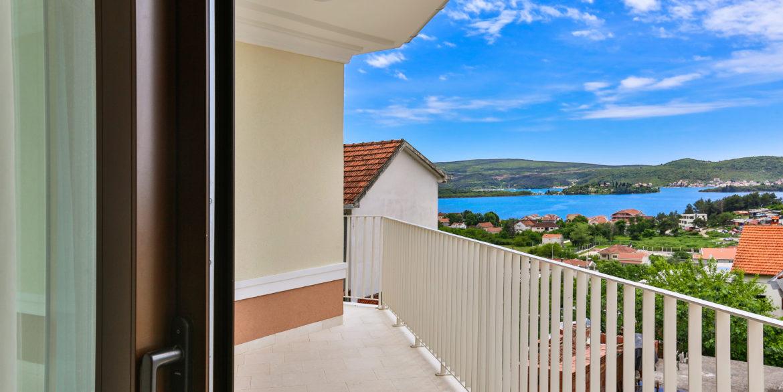 Neues Haus mit Panoramablick auf das Meer Kava, Tivat-Top Immobilien Montenegro